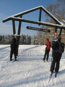 Langlauf-Sportler am Start der Braunlager Langlaufloipe